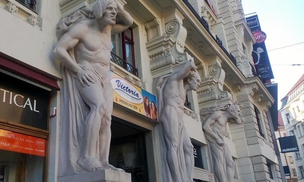 Brno'da Böbrek Mafyasıyla Bir Gece…